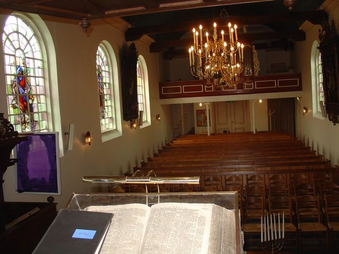 piershil-foto-kerk-preekstoel-04