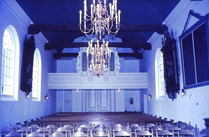 piershil-kerk-1971-gerenoveerd-03