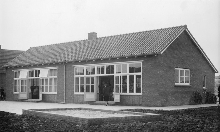 piershil-kleuterschool-12sept-1951-dagderopening