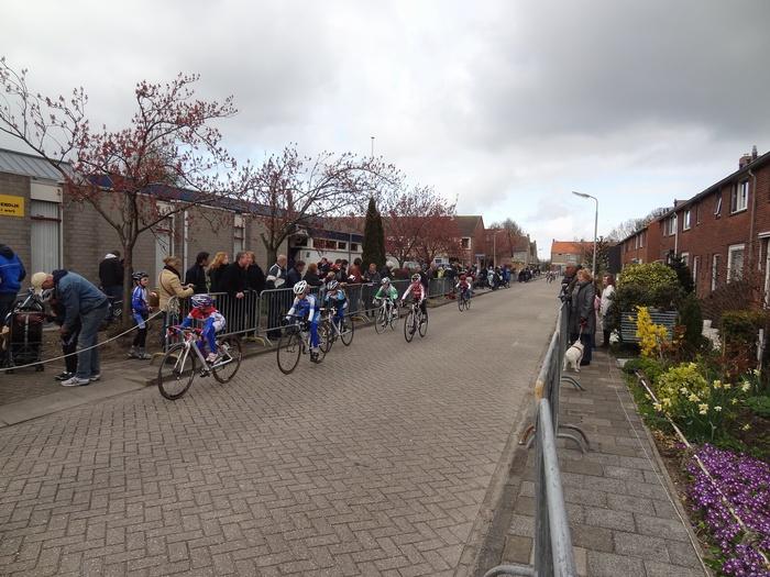 piershil-koninginjulianastraat-wielerronde-2012-01