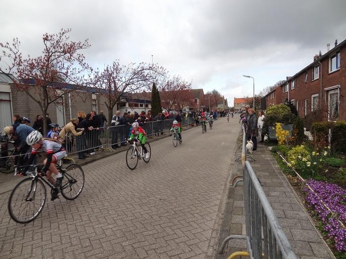 piershil-koninginjulianastraat-wielerronde-2012-02