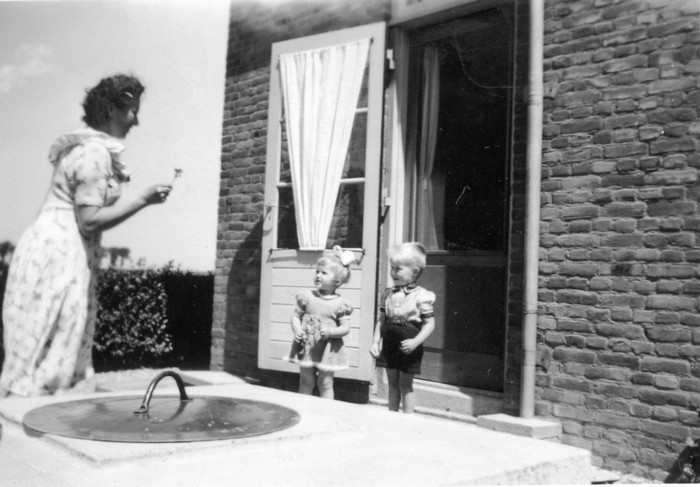 piershil-koninginjulianastraat11-1952-waterput-jhooghart-jgroenenberg