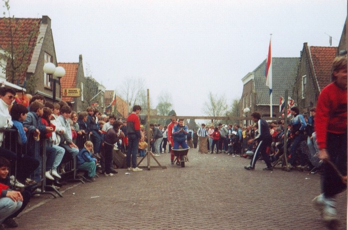 piershil-koninginnedag-1985-04