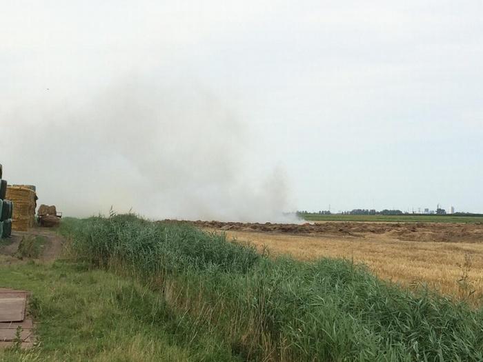 piershil-kostverlorendijk-hooibrand-juli2014-02