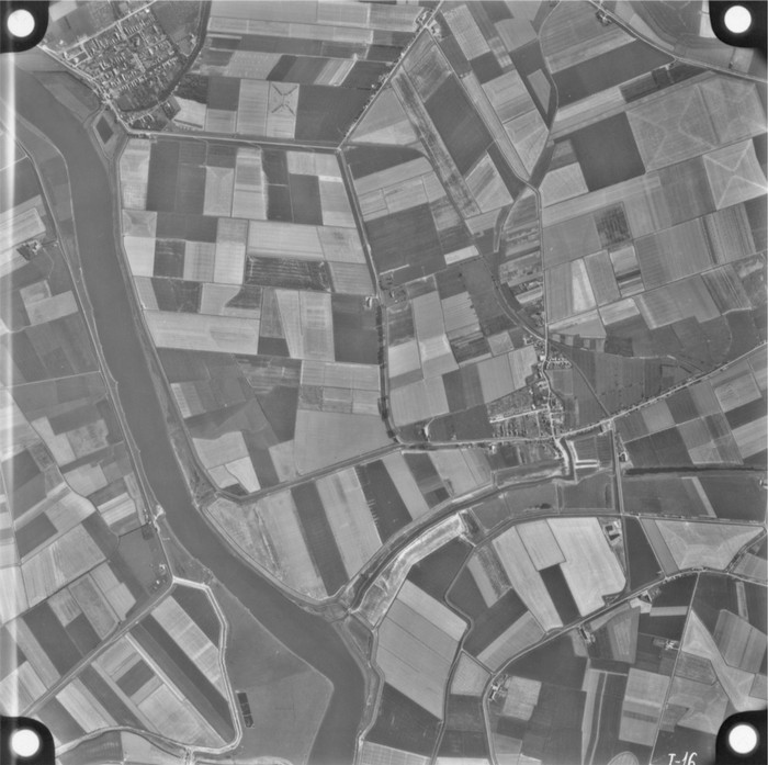 piershil-luchtfoto-1956