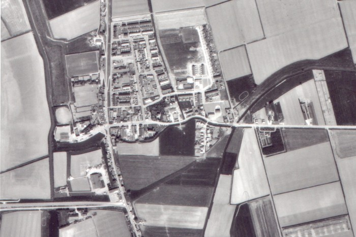 piershil-luchtfoto-1975-zoom