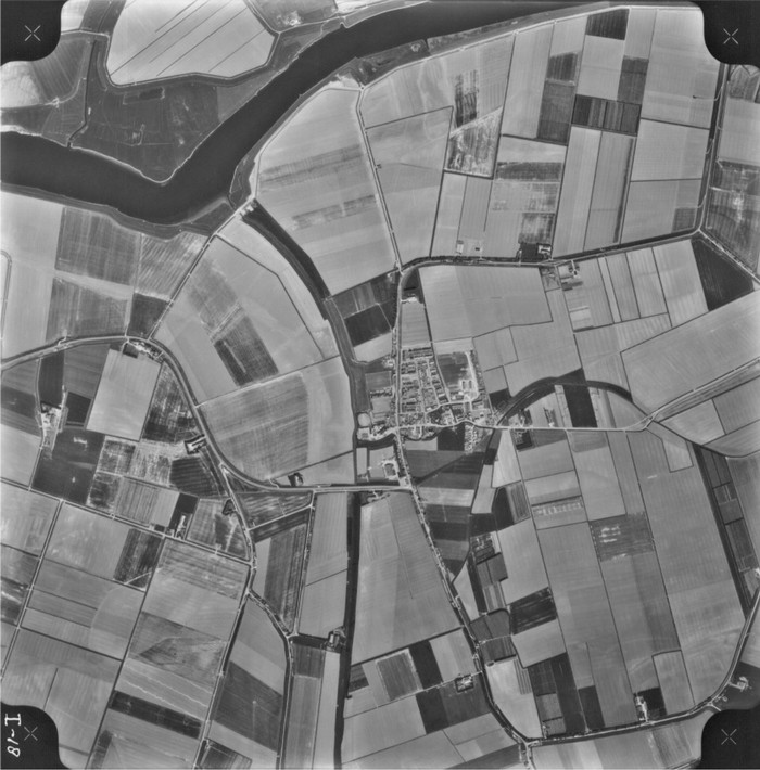 piershil-luchtfoto-1975