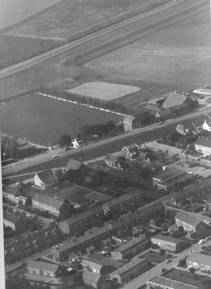 piershil-luchtfoto-1978-01