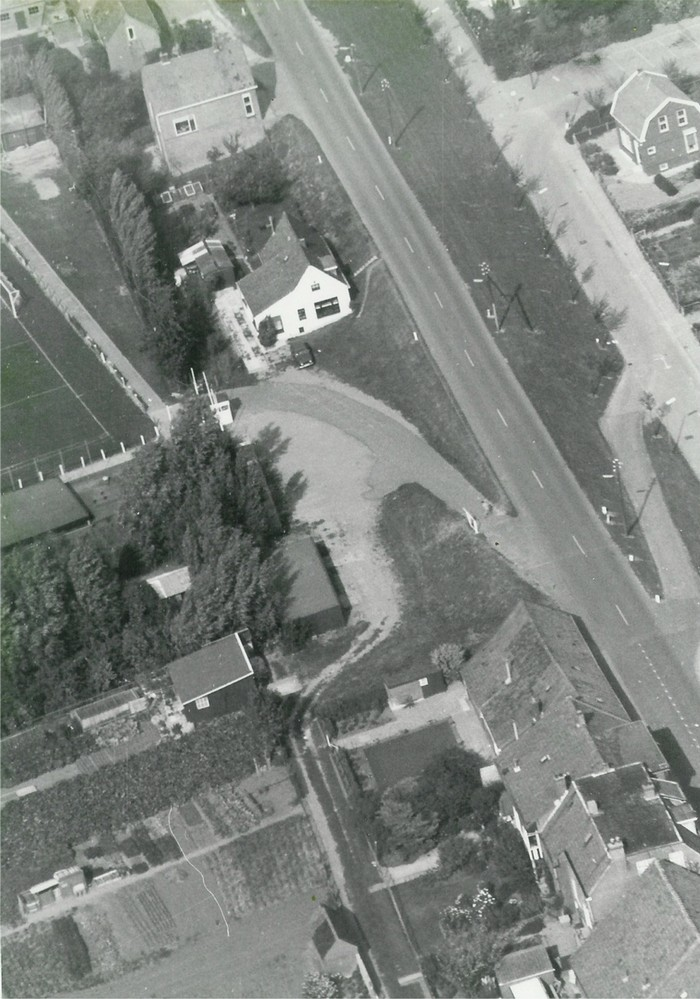 piershil-luchtfoto-1978-06