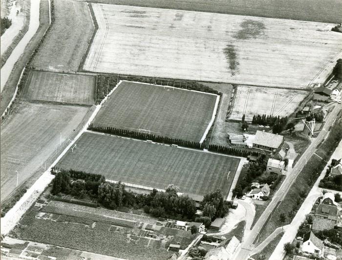 piershil-luchtfoto-1983-01