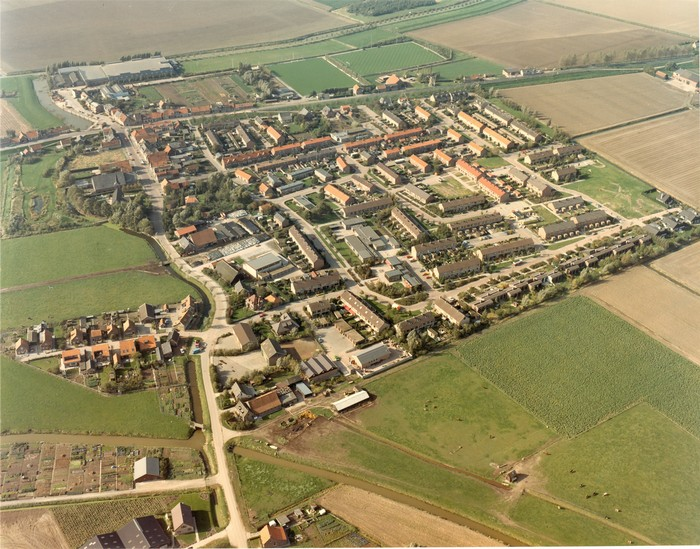 piershil-luchtfoto-1983-02