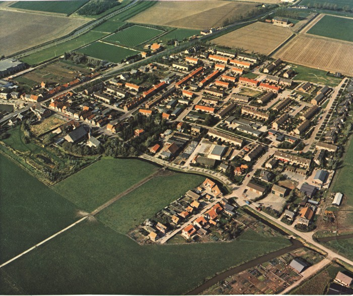 piershil-luchtfoto-1983-03