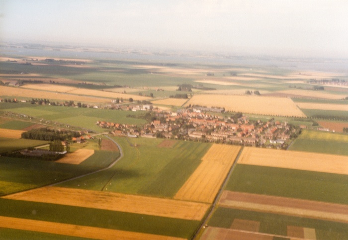 piershil-luchtfoto-1985-01