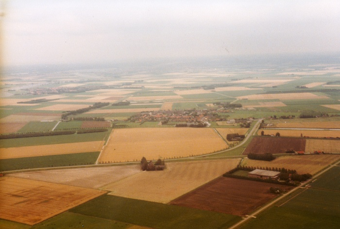 piershil-luchtfoto-1985-03