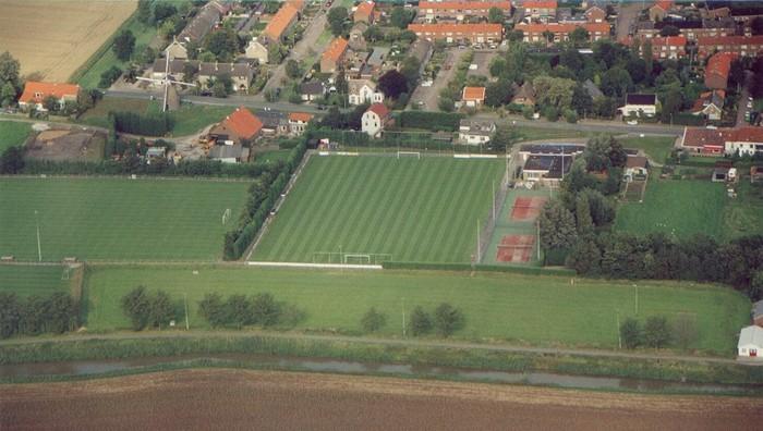 piershil-luchtfoto-2001