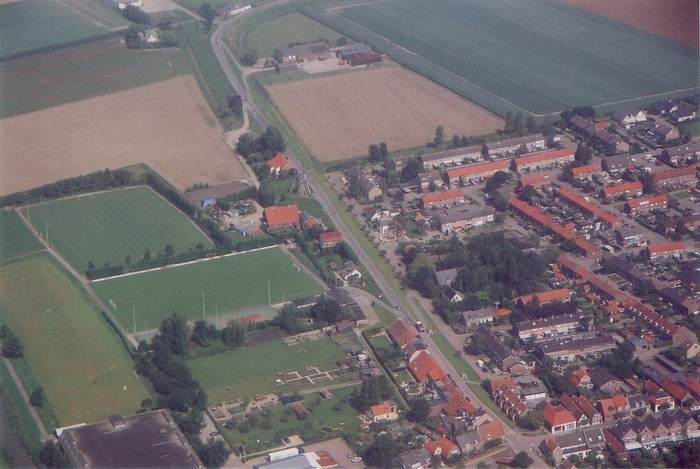 piershil-luchtfoto-2002-03