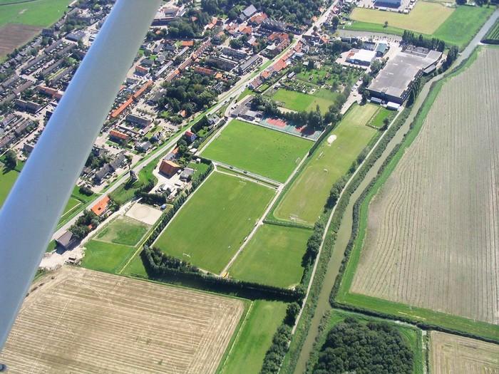 piershil-luchtfoto-2006-04