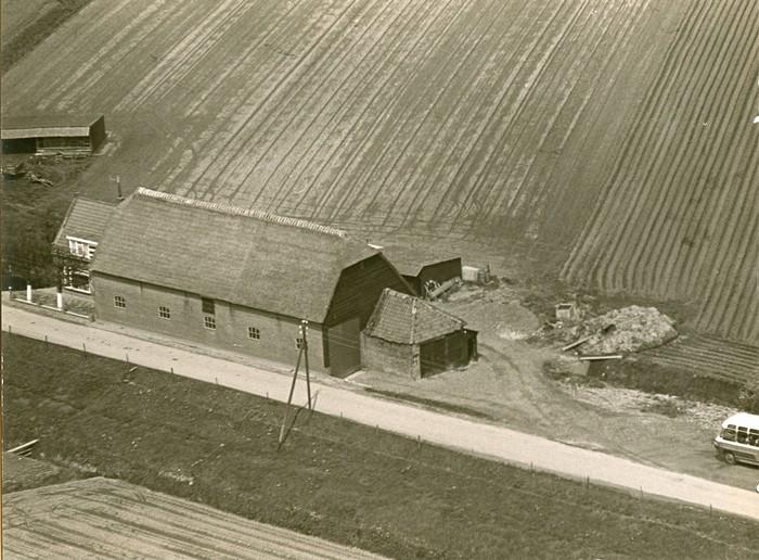 piershil-luchtfoto-boerderijvink-1968