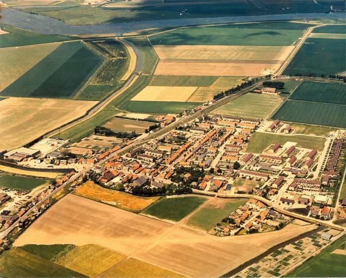 piershil-luchtfoto-juni1978