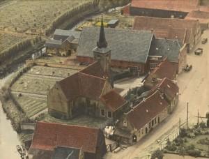 piershil-luchtfoto-kerk-1947