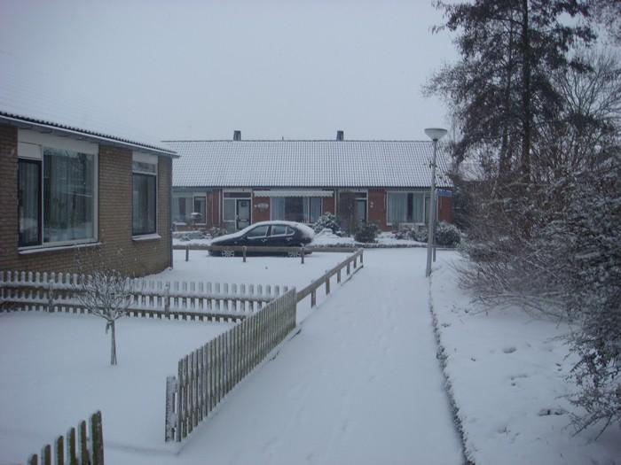 piershil-mauritsstraat-sneeuw-20dec2009-02