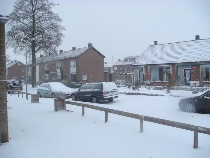 piershil-mauritsstraat-sneeuw-20dec2009-03