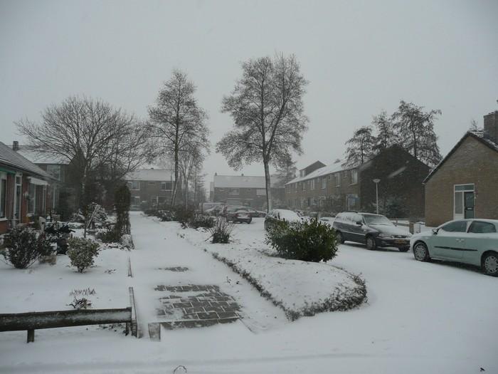 piershil-mauritsstraat-sneeuw-20dec2009-06