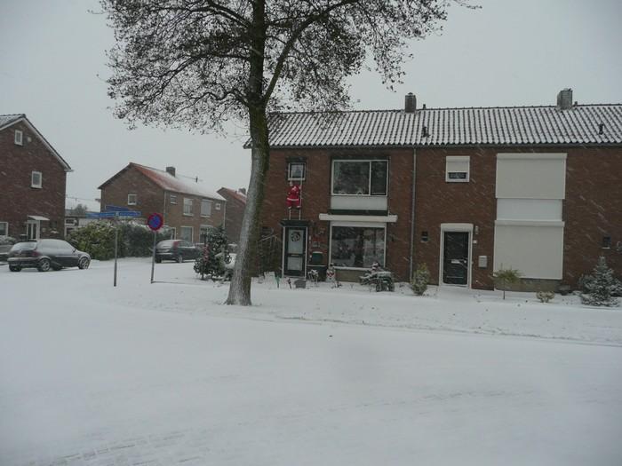 piershil-mauritsstraat-sneeuw-20dec2009-08
