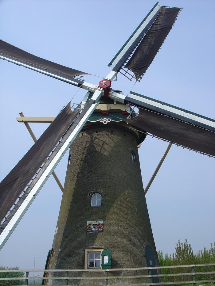 piershil-molen-simonia-zeilen-6mei2006-01