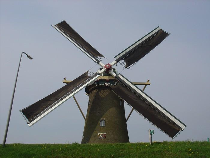 piershil-molen-simonia-zeilen-6mei2006-02