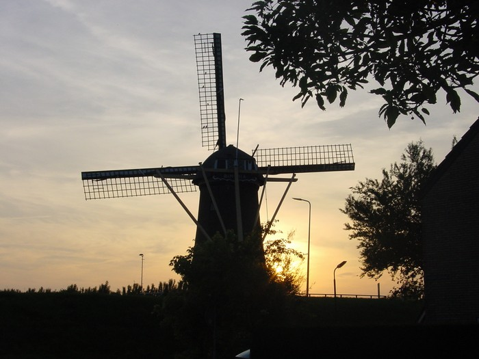 piershil-molen-zonsondergang-9juni2003-02