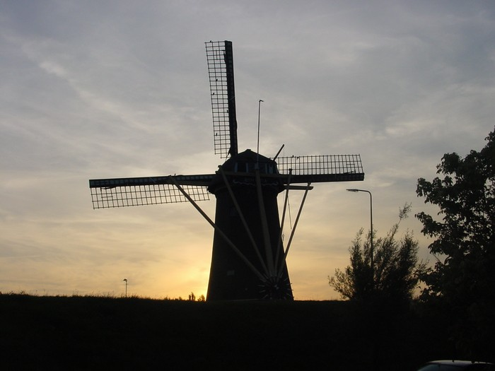 piershil-molen-zonsondergang-9juni2003-05