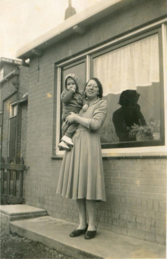 piershil-molendijk-9-achtertuin-nov1953