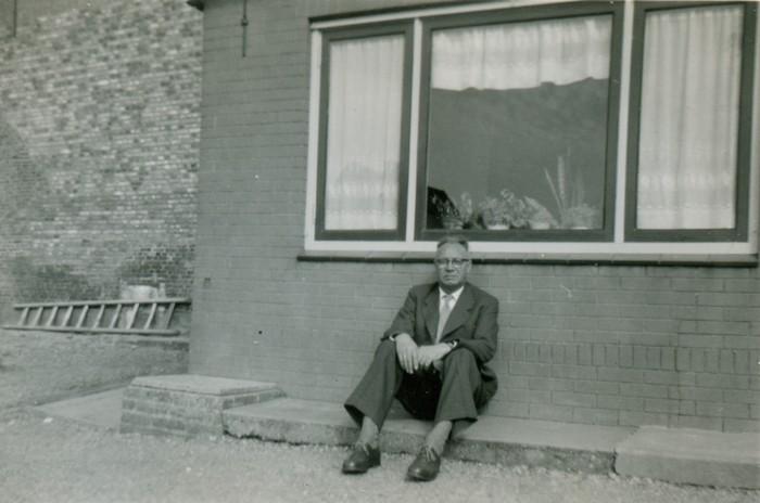piershil-molendijk-9-achtertuin-zomer1958