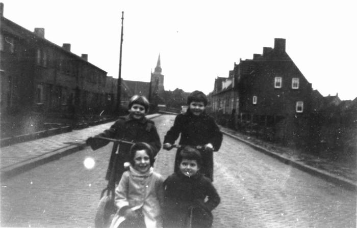 piershil-nieuwstraat-1954-01