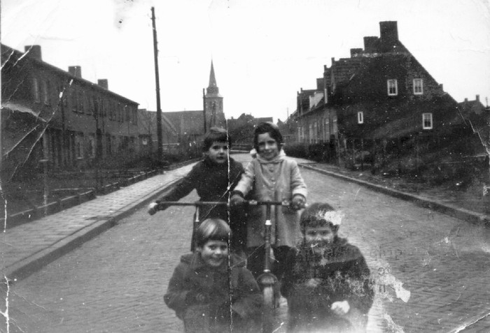 piershil-nieuwstraat-1954-02