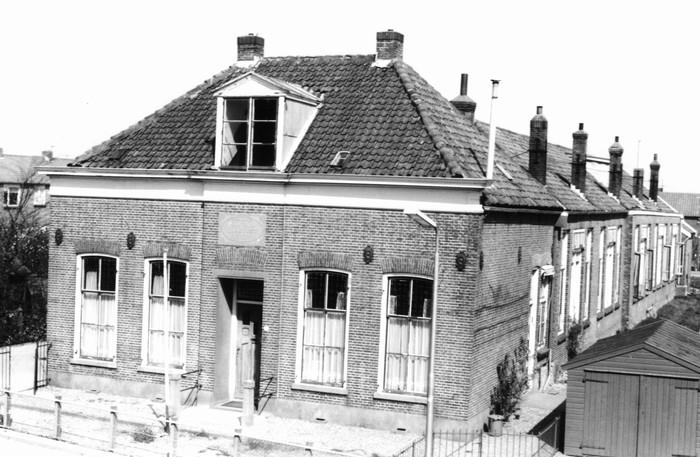 piershil-school-molendijk-voor-mei1971