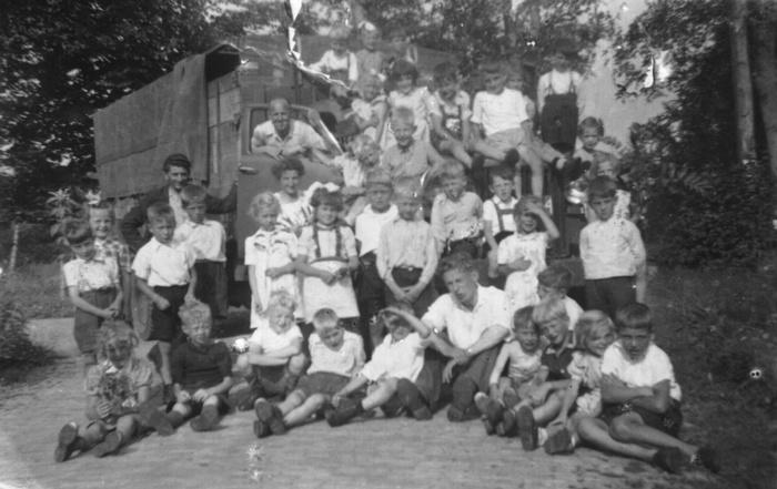 piershil-schoolreis-vrachtwagen-1947
