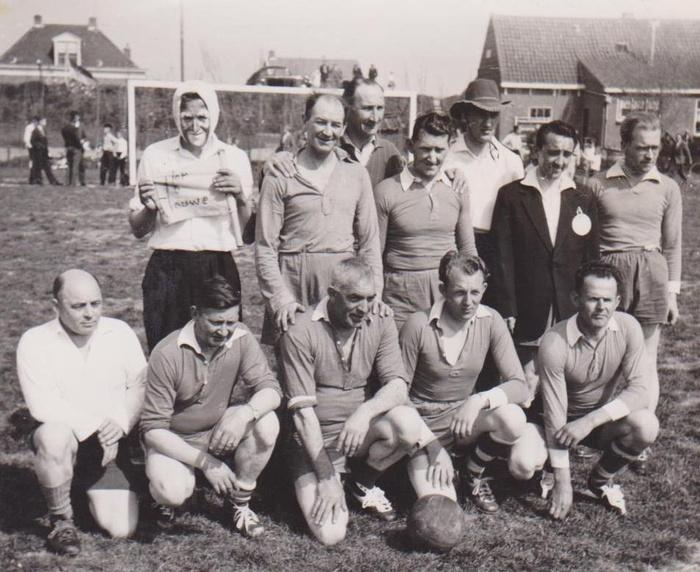 piershil-voetbal-6mei1960