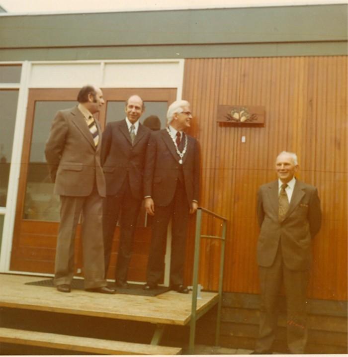 school-opening-maart1975-01