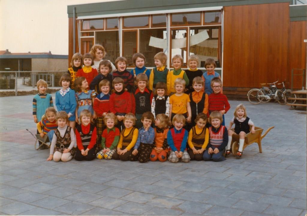 1975-piershil-schoolfoto-kleuterschool-02-groot