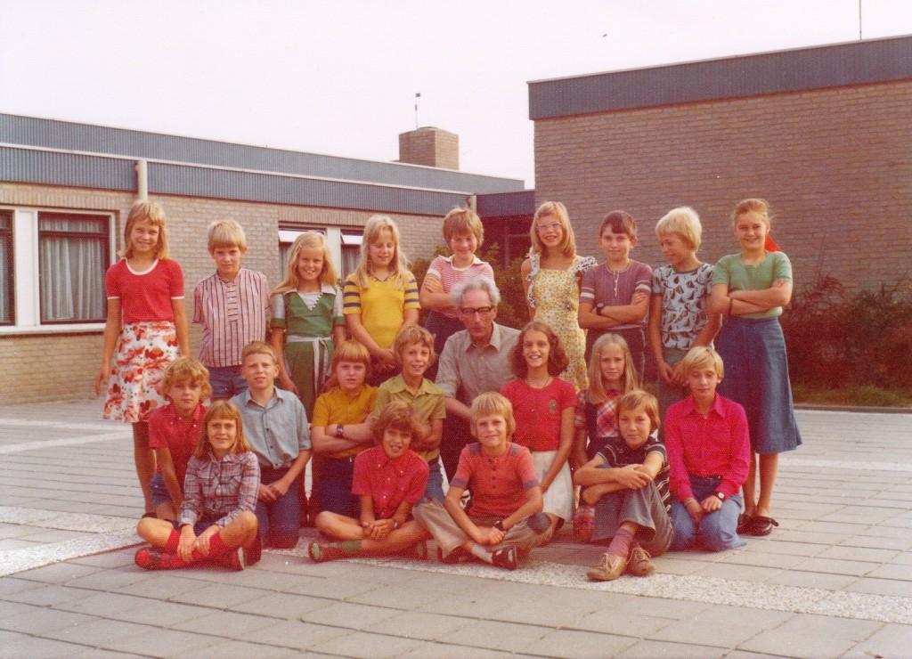 1976-1977-piershil-schoolfoto-cls-groot