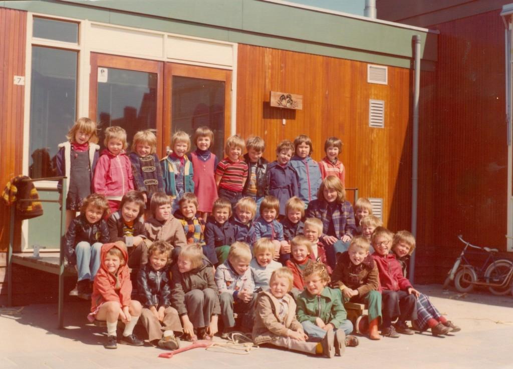 1976-piershil-schoolfoto-kleuterschool-01-groot