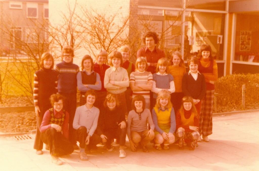 piershil-school-ols-klas6-1974-groot