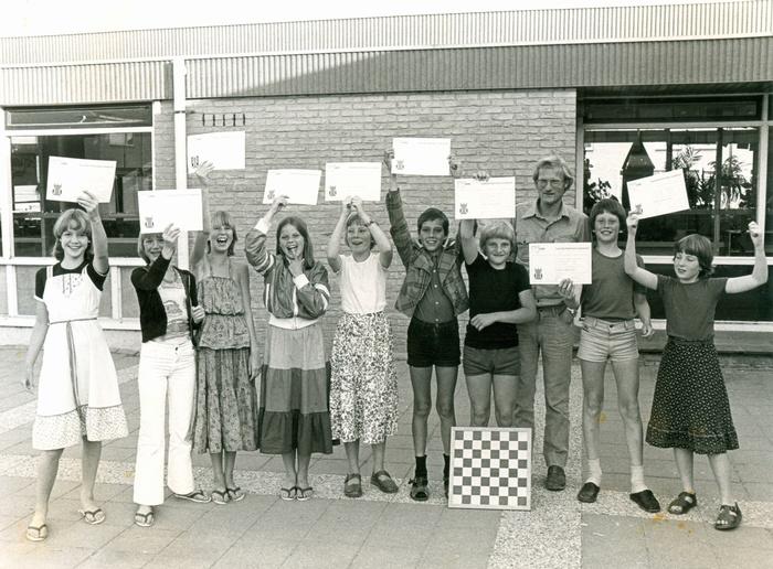piershil-school-ols-torendiploma-juni-1978