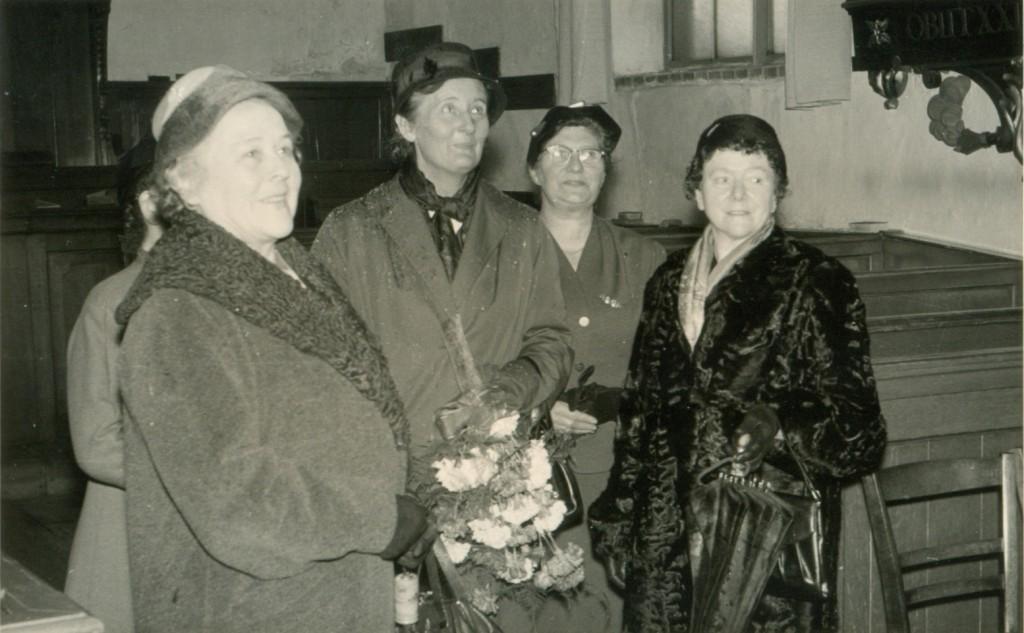 1957-bezoek-klaasesz-piershil-kerk