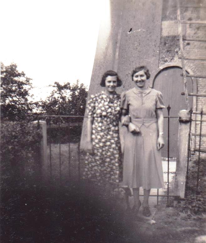 piershil-simonia-circa1950