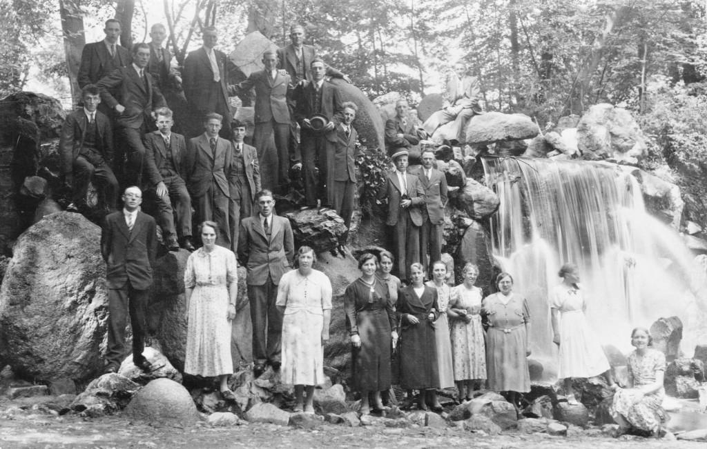 groepsfoto-piershillenaars-waterval