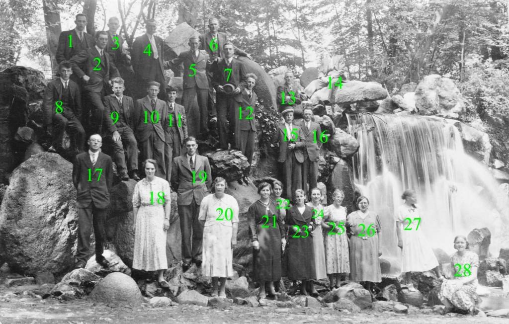 groepsfoto-piershillenaars-waterval-nrs