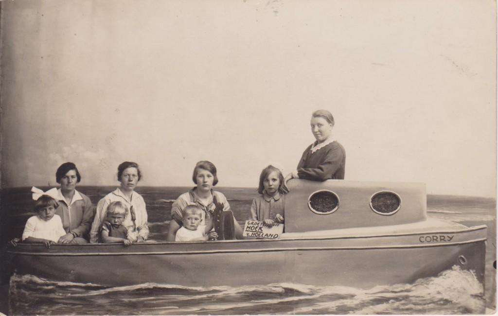 piershil-groepsfoto-samen-in-de-boot